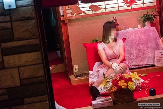 飛田新地で働く女性の写真